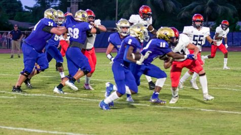Football Team Takes on Benjamin School at Home Game